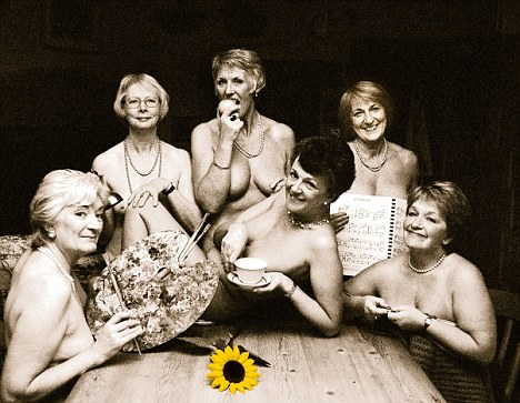 Nude pregnant latin women