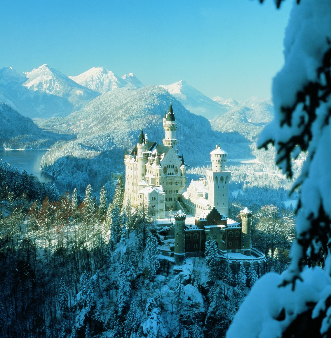 Bavarian Gothic Revival Castle Hogwarts Wallpaper Winter